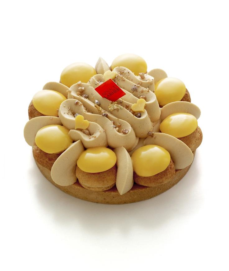 Saint-Honoré Bahia - Arnaud Lahrer - Pâte sablée, ganache mangue mandarine, biscuit noix de coco, chantilly caramel fleur de sel, chou à la crème mangue-mandarine