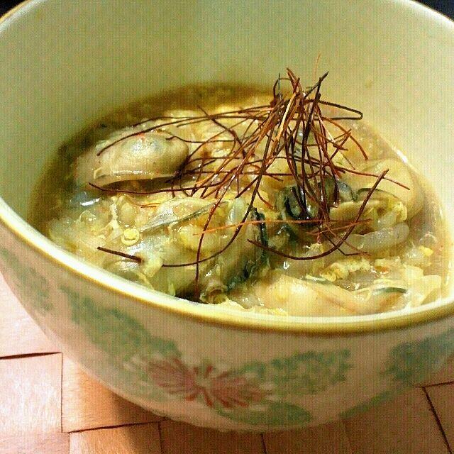 牡蠣エキスたっぷりで旨いっ(≧∇≦*) - 11件のもぐもぐ - 牡蠣キムチ鍋〆の雑炊 by iumico