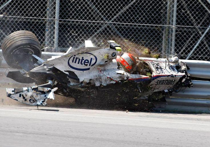 "csl-x-treme-events: ""formula1-power: "" Robert Kubica, Sauber-BMW F1.07, 2007 Canadian GP, Montreal "" A perfect example of Kubica's trademark: crashing """