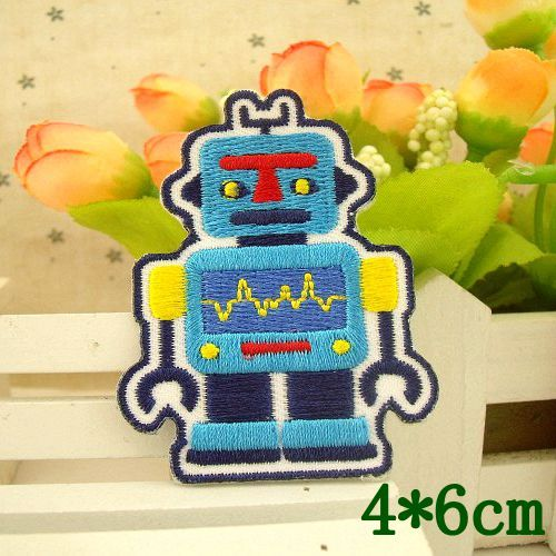 5 pcs/lot 4*6CM Cartoon robot Embroidered Iron-On Patches For Clothes Garment Applique DIY Accessory