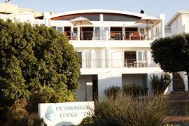 Periwinkle Guest House offers panoramic views of Robberg Beach and the Tsitsikamma range of Mountains where you can watch the whales and dolphins frolicking in the waves whilst enjoying a scrumptious breakfast.