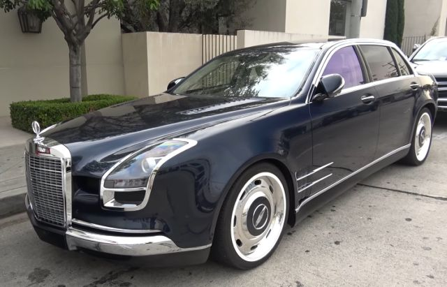 """Royale Mercedes-Benz S600 