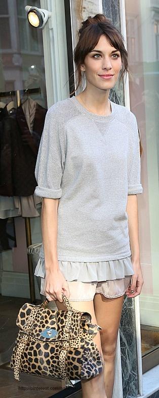Street style - Alexa Chung with Mulberry Alexa bag