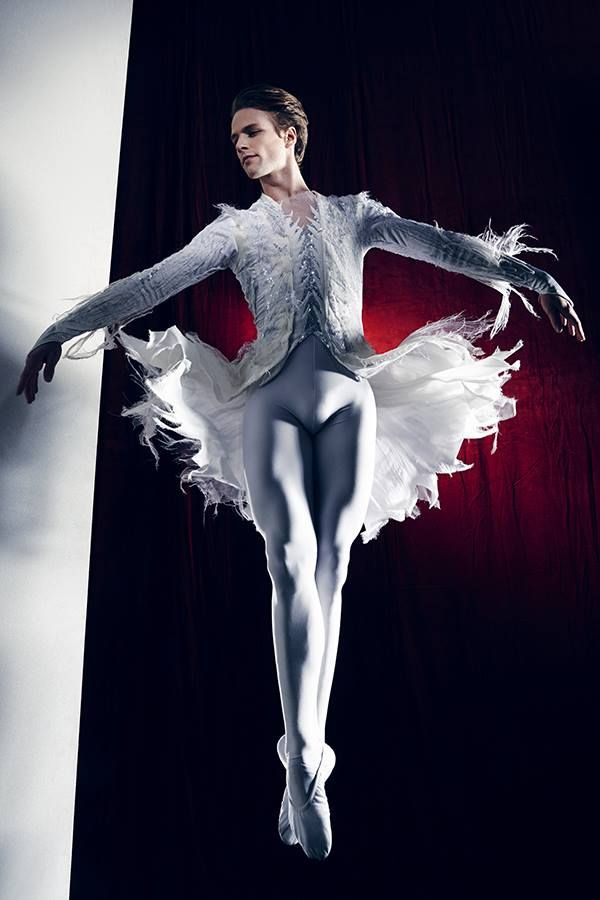 131 best male ballet dancers images on Pinterest | Male ballet dancers Ballet dancers and Dance ...