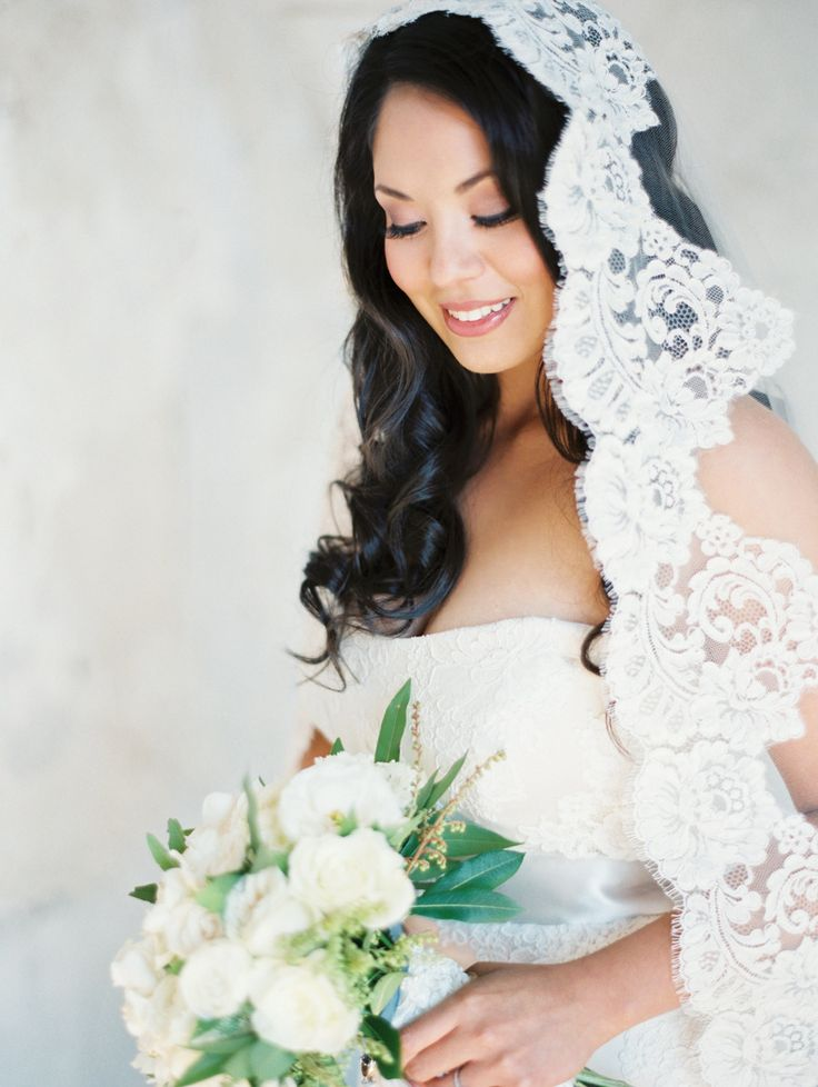 Amazing lace mantilla veil. Photography: Erich McVey - erichmcvey.com