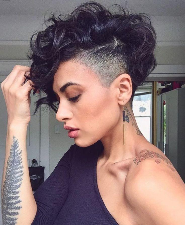 Cabelo Feminino Raspado de um Lado +de 50 Inspirações para sua Transformação #Sidecut #Cabelo #Feminino #Raspado | Cabelo Feminino Raspado de um Lado de 2019 | Cabelo, Cabelo raspado e Ideias de cabelo curto