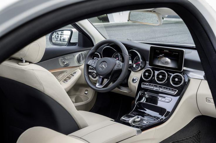 Design, matériaux, assemblage : la Classe C décroche le prix du plus bel habitacle de la catégorie. Essai Mercedes Classe C 220 BlueTec