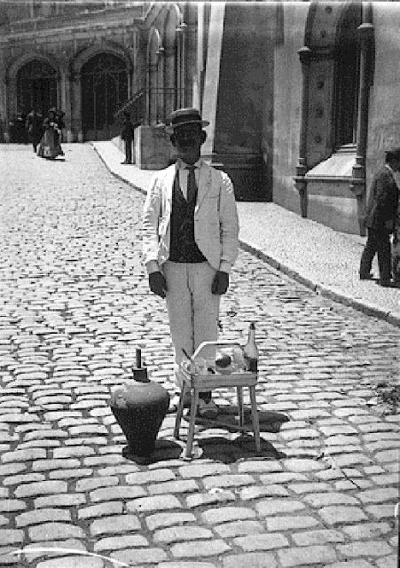 Vendedor ambulante de refrescos , 1903-1908. Charles Chusseau-Flaviens