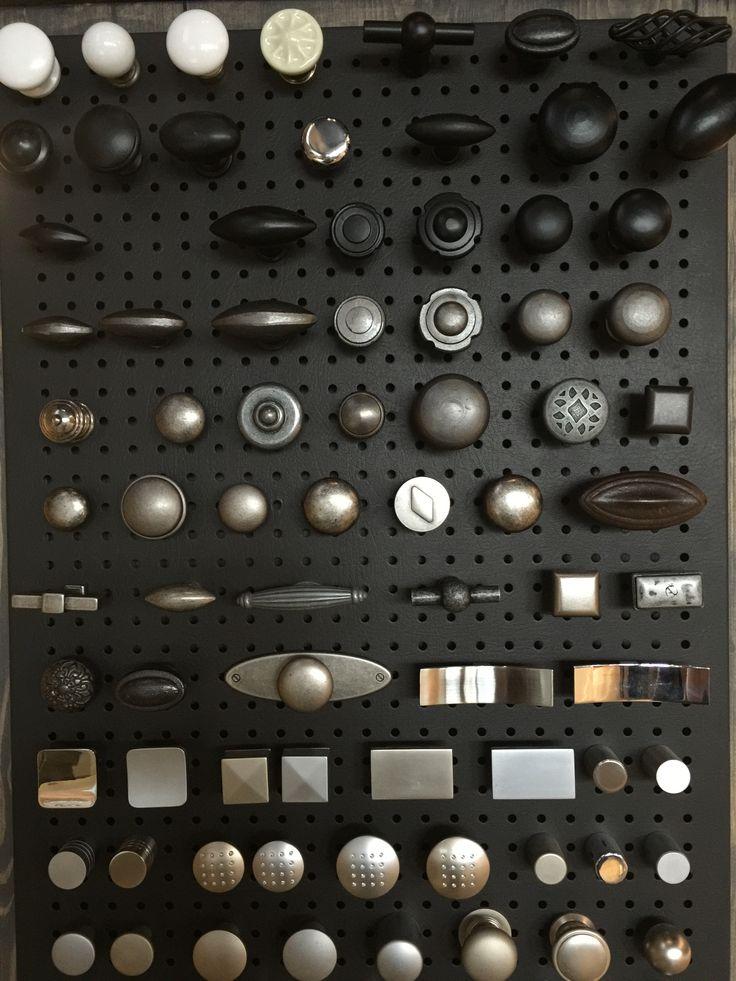 Vele knoppen in de kleuren zwart en grijs