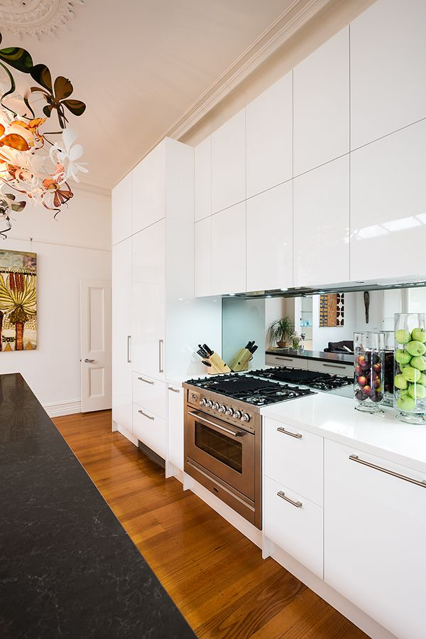 Rosemount Kitchens - Modern Kitchen 900 Freestanding oven  www.rosemountkitchens.com.au