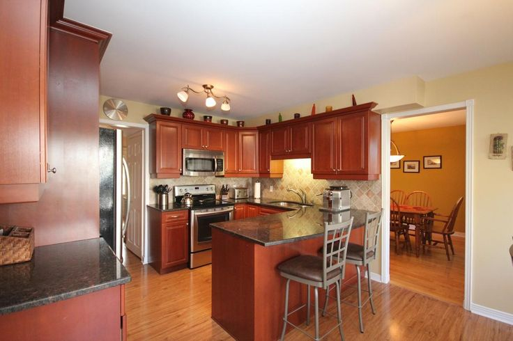 Sold Fabulous Kitchen In This Spacious Family Home In Lancaster School District Kingston