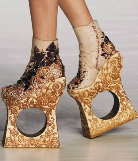 Another 15 Totally Crazy Shoes - Oddee.com (funny shoes, unusual shoes) These shoes were designed by Chinese designer Guo Pei.