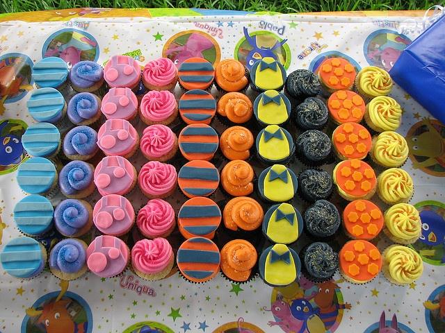 Cute backyardigans cupcakes