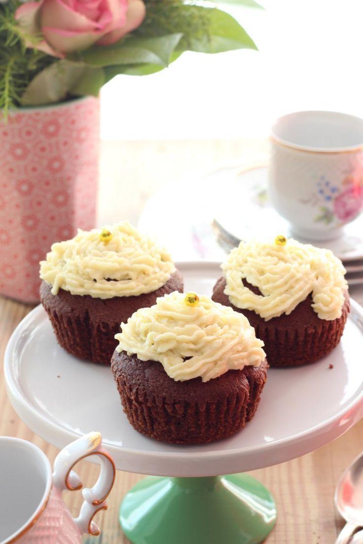 Schoko-Cupcakes mit Frischkäsecreme – #Frischkäsecreme #mit #SchokoCupcakes – …