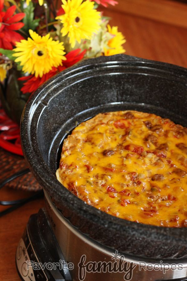 Great idea for New Year's Day, for guests who spend the night: Crock-Pot Breakfast Casserole - Prepare the night before and wake up to a GREAT smelling breakfast!