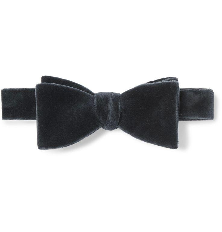 Thom Sweeney - Pre-Tied Velvet Bow Tie