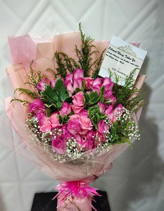 Memberi Hadiah Untuk Ibu Bisa Dengan Pesan Bunga Surabaya Dalam Bentuk Tangkai Atau Buket Bunga Jenis Bunga Yang Bisa Dipilih Bes Bunga Buket Bunga Toko Bunga