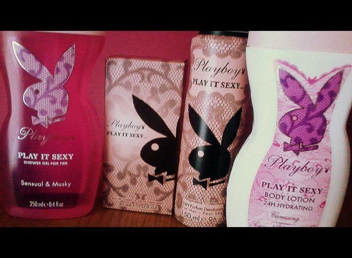 na tablicy króluje kaczka ale inny zwierzak też chce trochę uwagi! rodzina PlayItSexy powiększyła się, króliki w komplecie  bardzo dziękuję za nagrodę w kampanii Playboy Fragrances Polska i Streetcom, chociaż do balsamu nie byłam przekonana to zapach perfum i żelu pod prysznic w tym wariancie mnie absolutnie olśnił! #BalsamyPlayboy https://www.facebook.com/photo.php?fbid=10203865258655552&set=o.145945315936&type=1