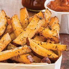 Après avoir goûté à ces délicieuses frites au four, recette tirée du livre Famille futée, vous vous demanderez pourquoi vous achetiez des frites traditionnelles!