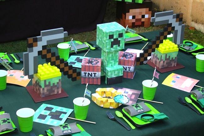 Boy's Minecraft Birthday Party Decoration Ideas