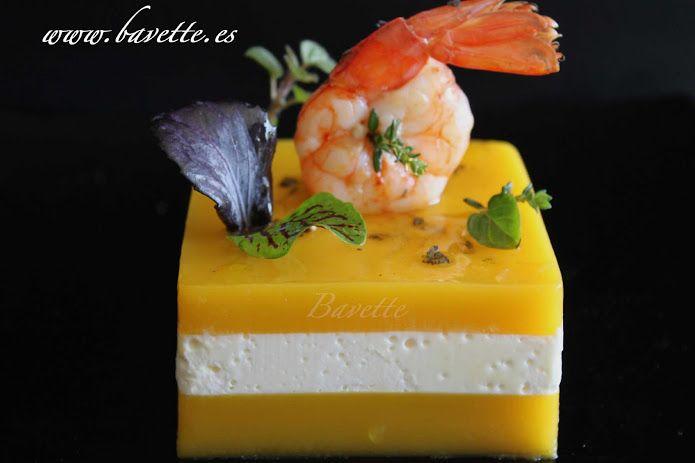 Timbal frio de zanahoria con queso fresco y gambas