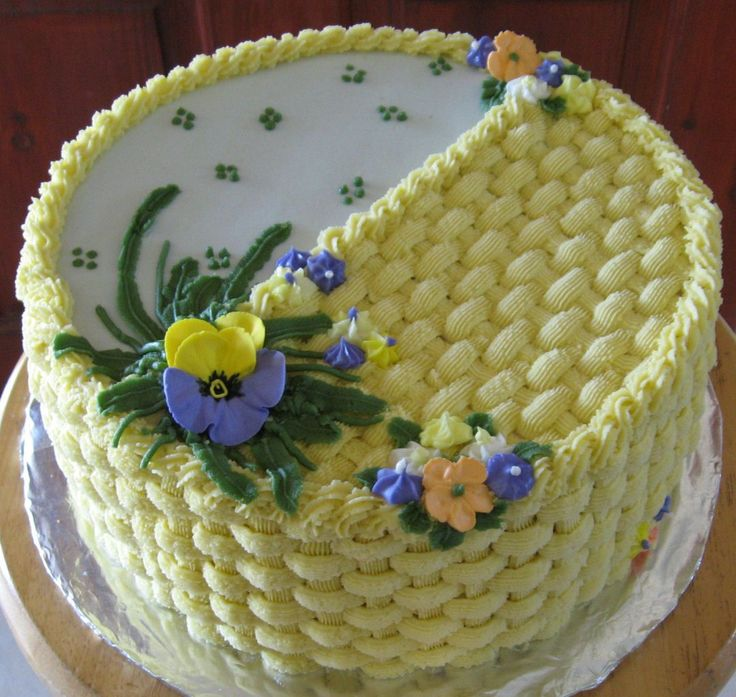 Wilton Buttercream Cake Decorating Ideas : 446 best images about Wilton Course 2 Cake Ideas on Pinterest