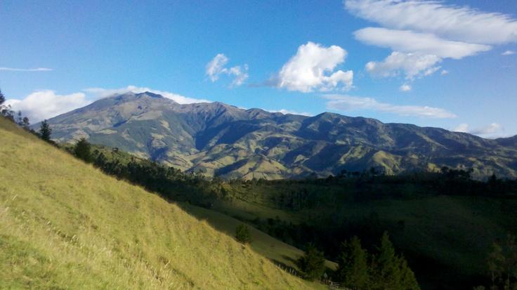 Urcunina, nombre quechua del volcán Galeras....Vigía permanente de Villaviciosa de los Pastos - Nariño - Colombia