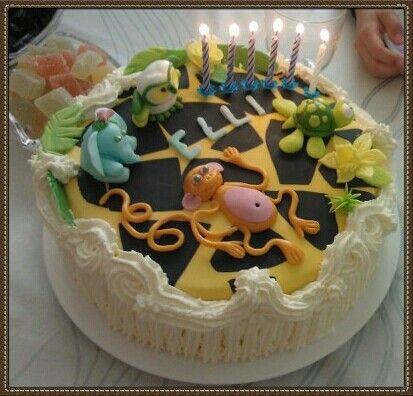 Jungle  animals  on  a  6th birthday cake