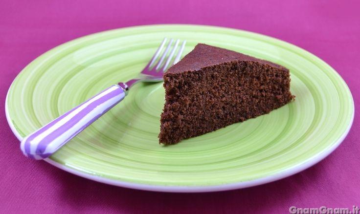 Scopri la ricetta di: Torta di albumi al cacao – Video ricetta
