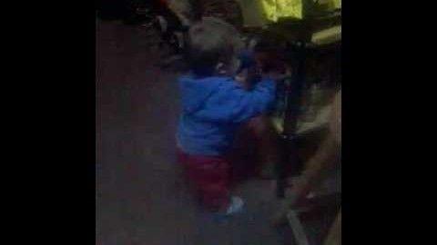 """awesome Videos de bebes bailando: Bebé bailando """" nadie te pregunto """""""