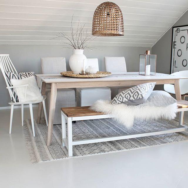 Pssst...spisebord selges inkl.2 klaffer !..er du interessert ta kontakt. Har kjøpt meg et som er enda mer rustikk til min stil :):) Ligger ute på Finn.no #idylloghim #spisestue #softcolors #livingroom #ninterior #decoration #scandinavian #nordicinspiration