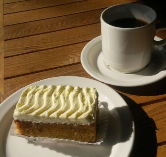 Morotskaka + Kaffe = 4,70 Porkkanakakku + Kahvi = 4,70€ Carrotcake + Coffee = 4,70€ #EKTAMuseumcenter #Ekenäs #Raseborg #carrotcake
