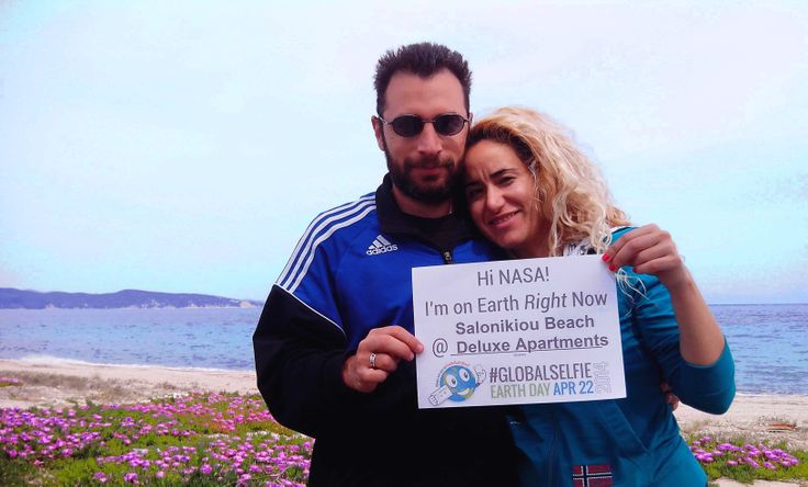 We celebrate the #EarthDay2014 with a #GlobalSelfie at @SalonikiouBeach for NASA's page!