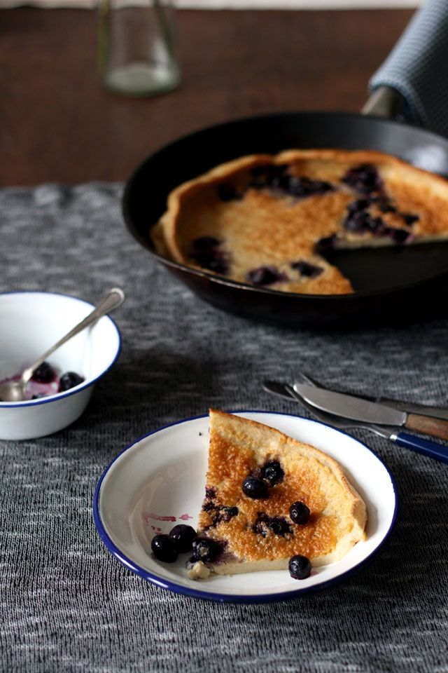 Dutch Baby pancake | Ik heb deze ovenpannenkoeken gemaakt met volkoren speltmeel en frambozen, ook heerlijk | Yellowlemontree