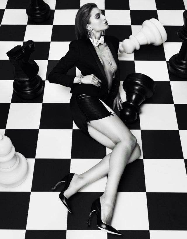 Upskirt chess