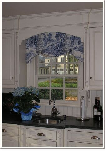 1000 ideas about picture window treatments on pinterest bay windows bay window treatments - Country kitchen windows ...