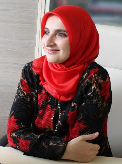 Sehija Dedovic. Read the interview with the CEO and social activist at Mosaic #muslimwomen #CEO #Bosnia
