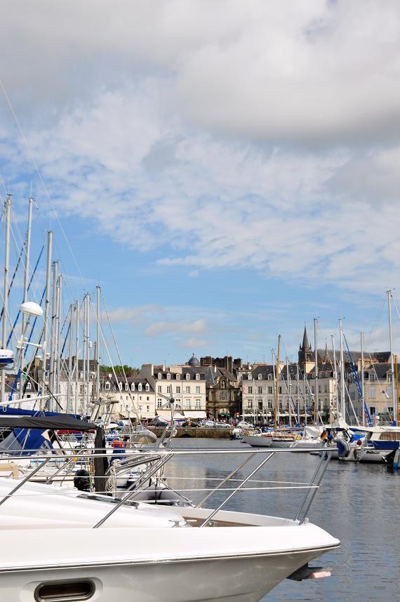 Vannes harbor, Bretagne by G.