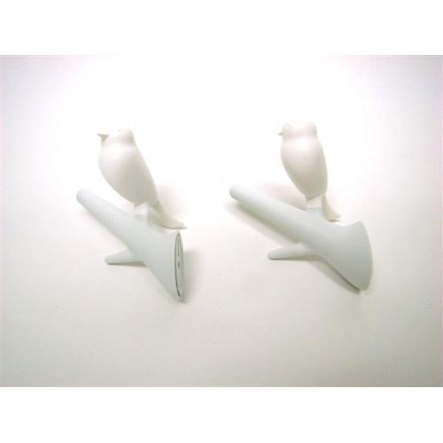Deze wandhaakjes kun je ook op de muur naast de commode hangen, voor een klein badjasje, een badcape, en andere gezellige spulletjes.. :-)