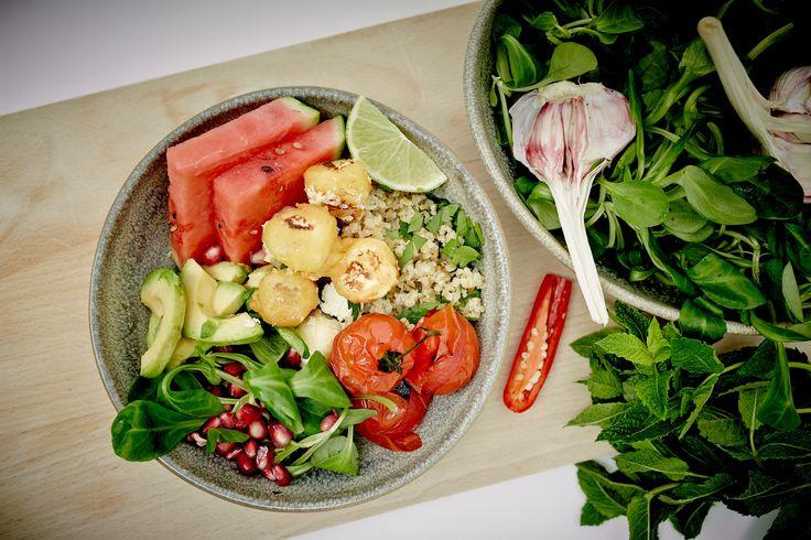 Tempura-fried feta with bulgur salad bowls