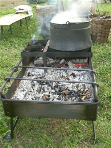 roman stove | Craticula (Roman stove) I would need taller legs (for comfort and fire ...