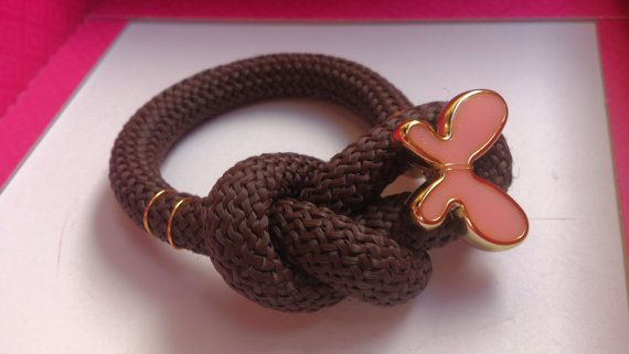 Brown bracelet with butterfly/ Βραχιόλι από καφέ by bizeli on Etsy, €7.00