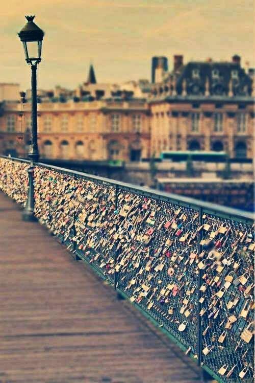 Puente de los candados, Paris