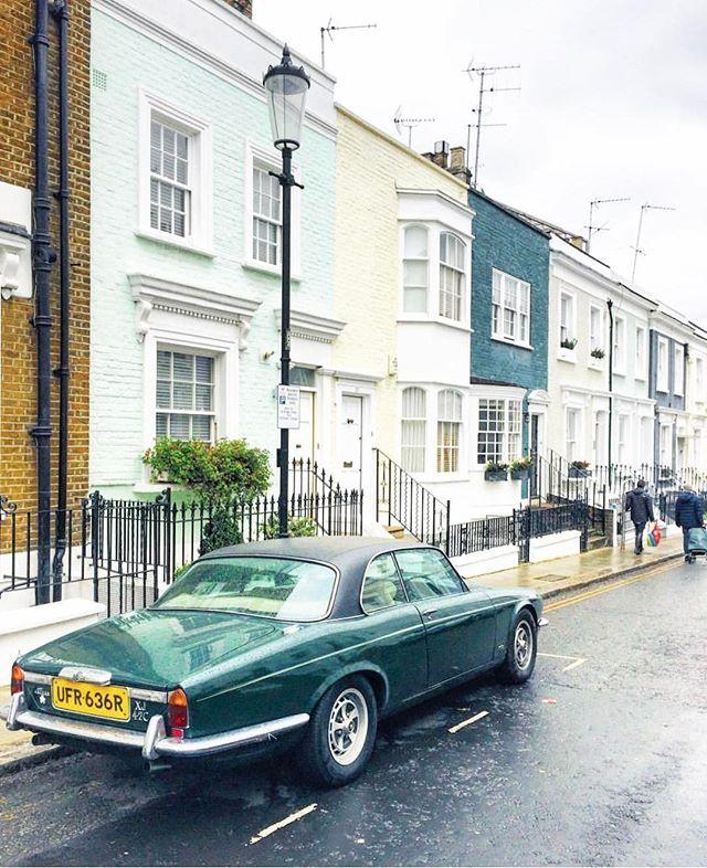 Colourful even on a gloomy day like this  Photo by @liolaliola  #nottinghill #gloomylondon #prettylittlelondon