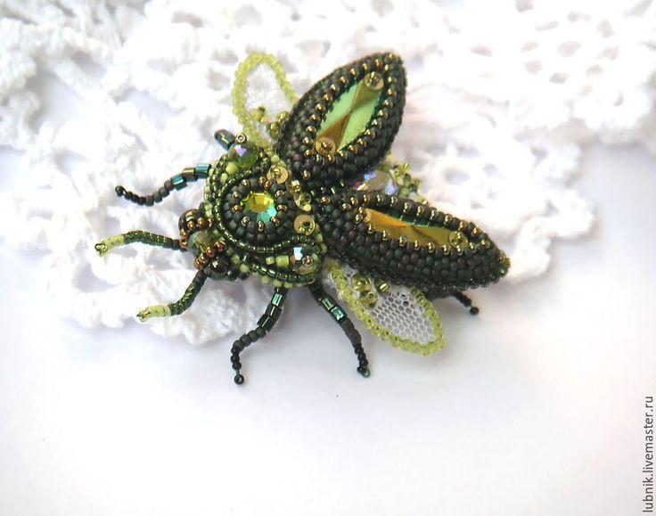 """Купить Брошь """"Тропический зелёный жук"""" - тёмно-зелёный, жук, тропический, бисер, Вышивка бисером"""