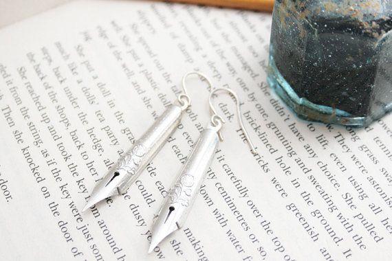 Industriële sieraden / Funky oorbellen / zilveren Dangle Oorbellen met Dip schrijfpennen / Drop Oorbellen zilveren / geschenken voor schrijvers / cadeau voor haar