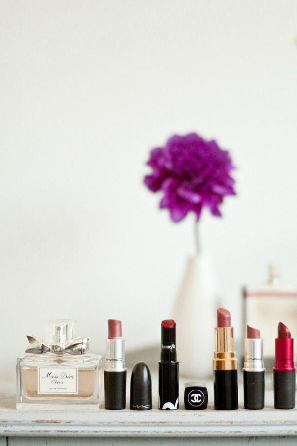 essentials.: Chanel Handbags, Coach Bags, Bags How, Bags Discount, Glitter Girls, Fashion Woman, Applying Lipsticks, Lipsticks Lineup, Chanel Lipsticks