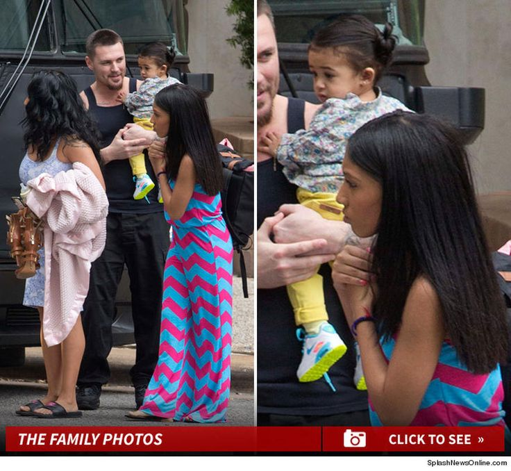 Chris Brown got a special visitor Monday when he blew through Houston ... his daughter Royalty. The 9-month-old was chaperoned by her mom, Nia Guzman and her half-sister.   We're told that Royalty and crew were picked up by limo at a Houston hotel where they were staying and taken to Chris' tour bus, where he chilled with his kid. Chris had a concert in Houston Monday night. Hard to imagine Royalty will be front and center, but anything's possible ... maybe she'll even meet Trey Songz.