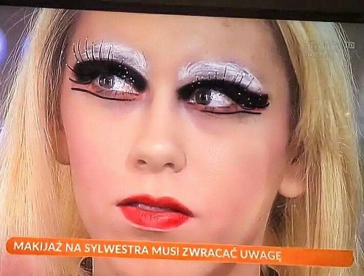 Makijaż sylwestrowy według TVP - Ten makijaż wywołał prawdziwą burzę w sieci - New Years Eve Makeup Fail #makeup #love #poland