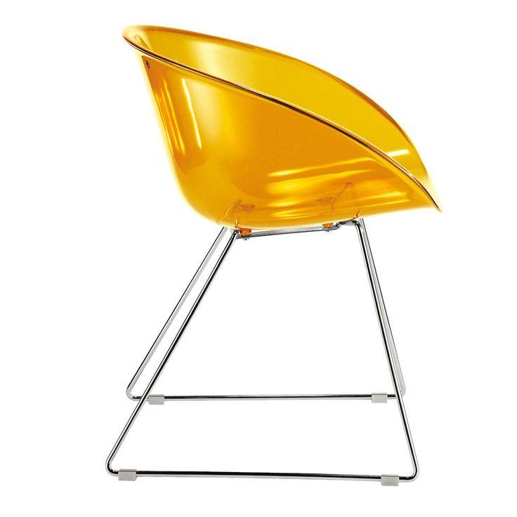 Italská značka Pedrali se stala ve světě designu již ikonou. Jejím typickým písmem jsou čisté tvary měkkých linek, ve vlastní laboratoři testované kvalitní materiály a důraz na praktické využití finálního moderního pojetí výtvoru. Právě díky tomu dokazuje, že i plný design může být běžně použitelný v každodenním světě, který tak obohacuje o umělecký, hodnotový aspekt. Židle Gliss  921 je proto známkou toho, že i jídelna nebo pracovní stůl mohou být inspirativním místem, jehož duch je…